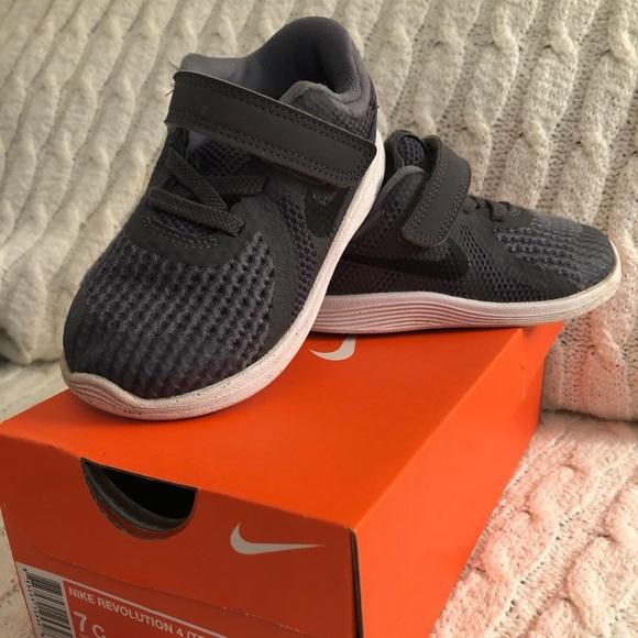 4c694bb79e93 Nike Revolution 4 Toddler Boys Size 7 Dark Grey. M 5c2d6a2312cd4a8225ecae95